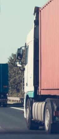 Gigaliner auf den Straßen verlagern Güter weg von der Schiene.