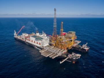 Movement of Brent Delta Oil Rig to Hartlepool aided by OceanWise